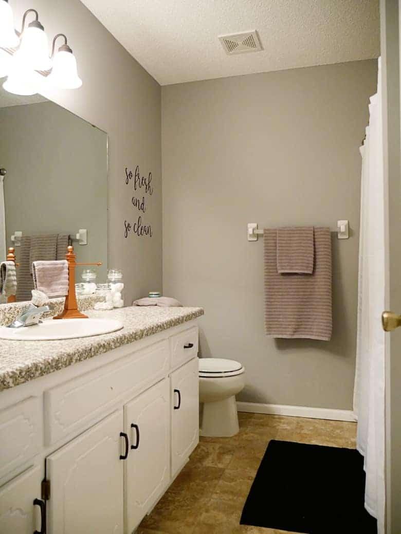 """DIY """"So Fresh"""" Bathroom Wall Art Project Tutorial"""