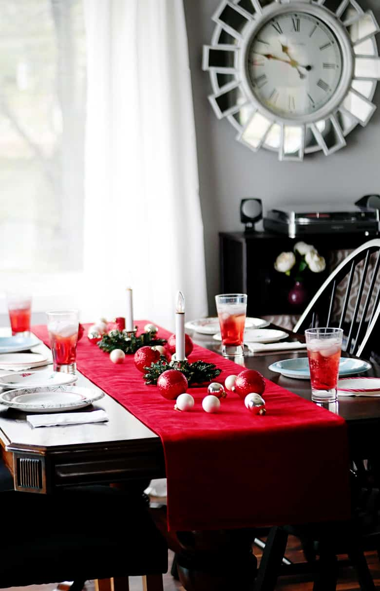 diy pottery barn knock off velvet holiday table runner bre pea. Black Bedroom Furniture Sets. Home Design Ideas