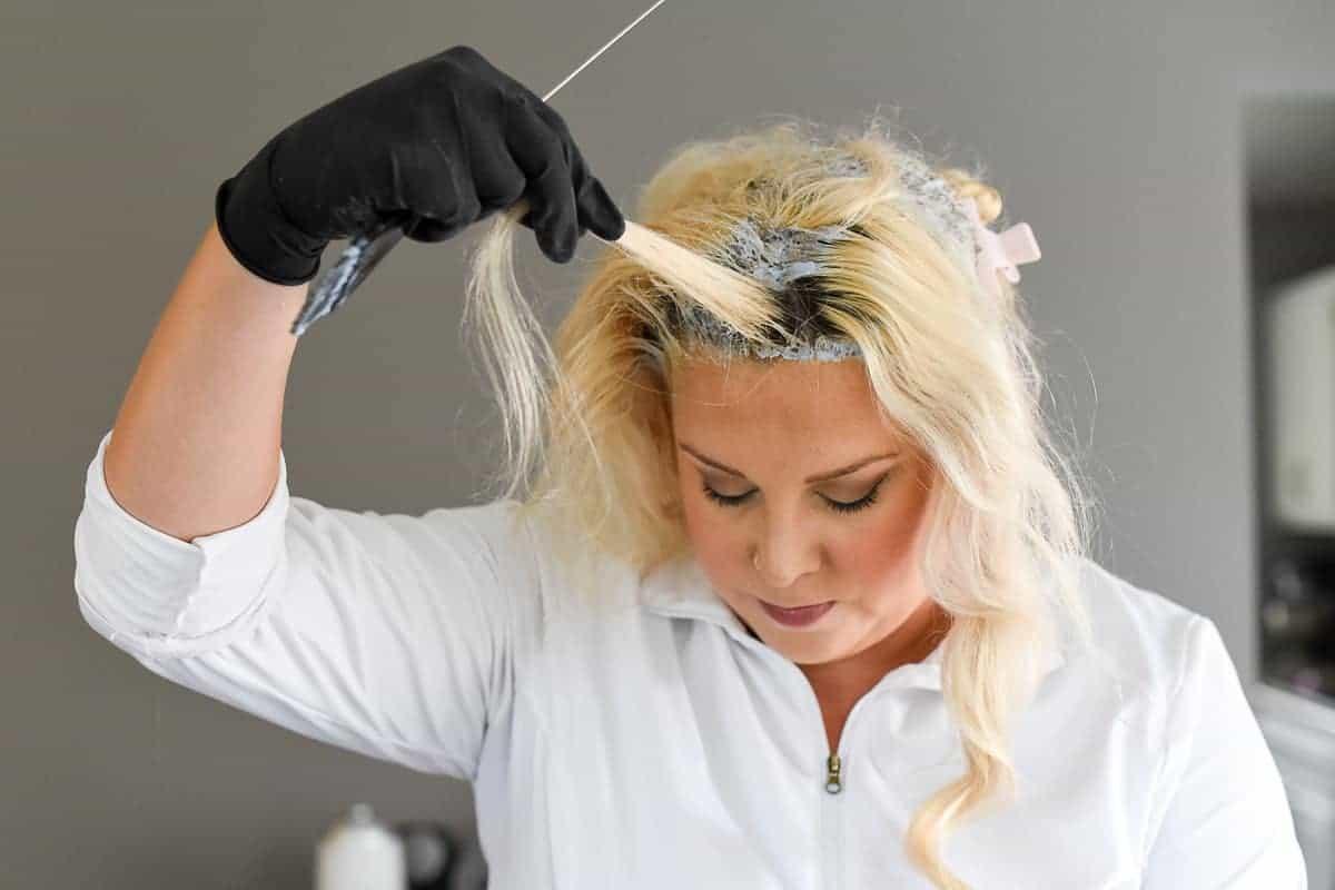 how to use bleach on hair